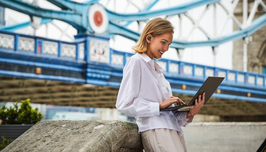 Med støtte for mobiloppkobling vil Samsung la brukeren jobbe hvor som helst med sine nye PCer. Foto: Samsung