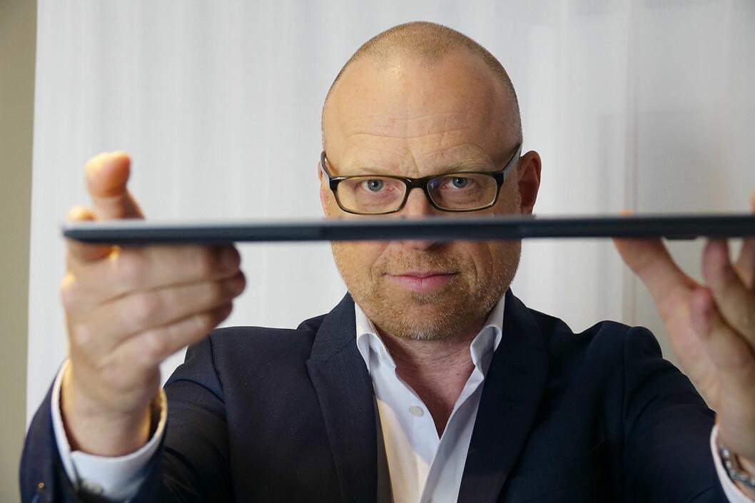 Fredrik Pantzar, sjef for oppkoblede enheter i Samsung Nordic, sier selskapet nå har breddet sitt PC-tilbud i Norden. Foto: Samsung.