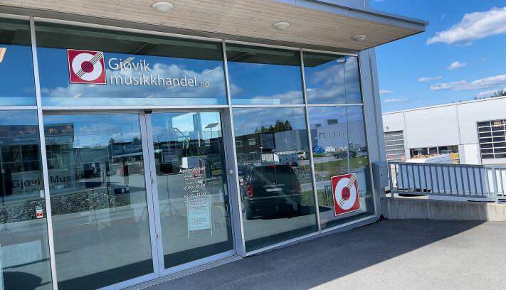 Gjøvik musikkhandel ligger i næringsområdet Kallerud på Gjøvik med gratis parkering rett utenfor døra. Foto: Stian Sønsteng