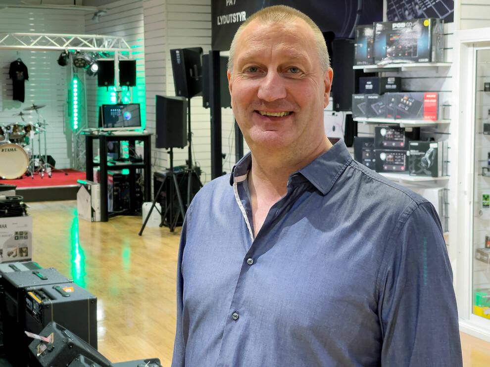 Magne Iversen er driftssjef i for Gitarhuset og 4Sound i Norge. Foto: Stian Sønsteng