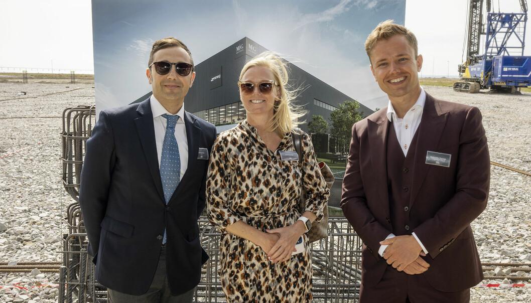 Fabrizio Fonte (f. v., finansdirektør Smeg Nordic), Ulrika Theander (adm. direktør Smeg Nordic) og Christopher Thomsen (kommersiell direktør MG Real Estate). Foto: MG Real Estate